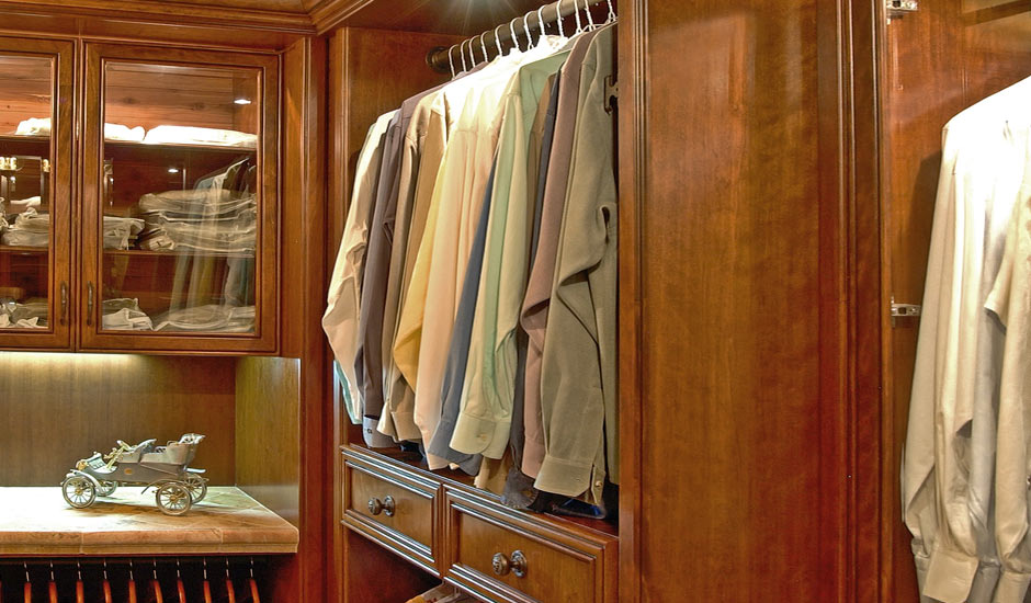 mens wild apple walk-in closet